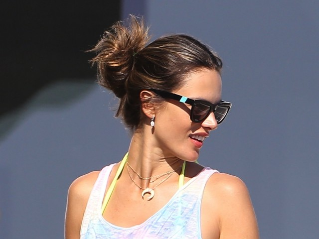 Alessandra-Ambrosio-Purchased-7.19.121-640x480blog.westwardleaning.com