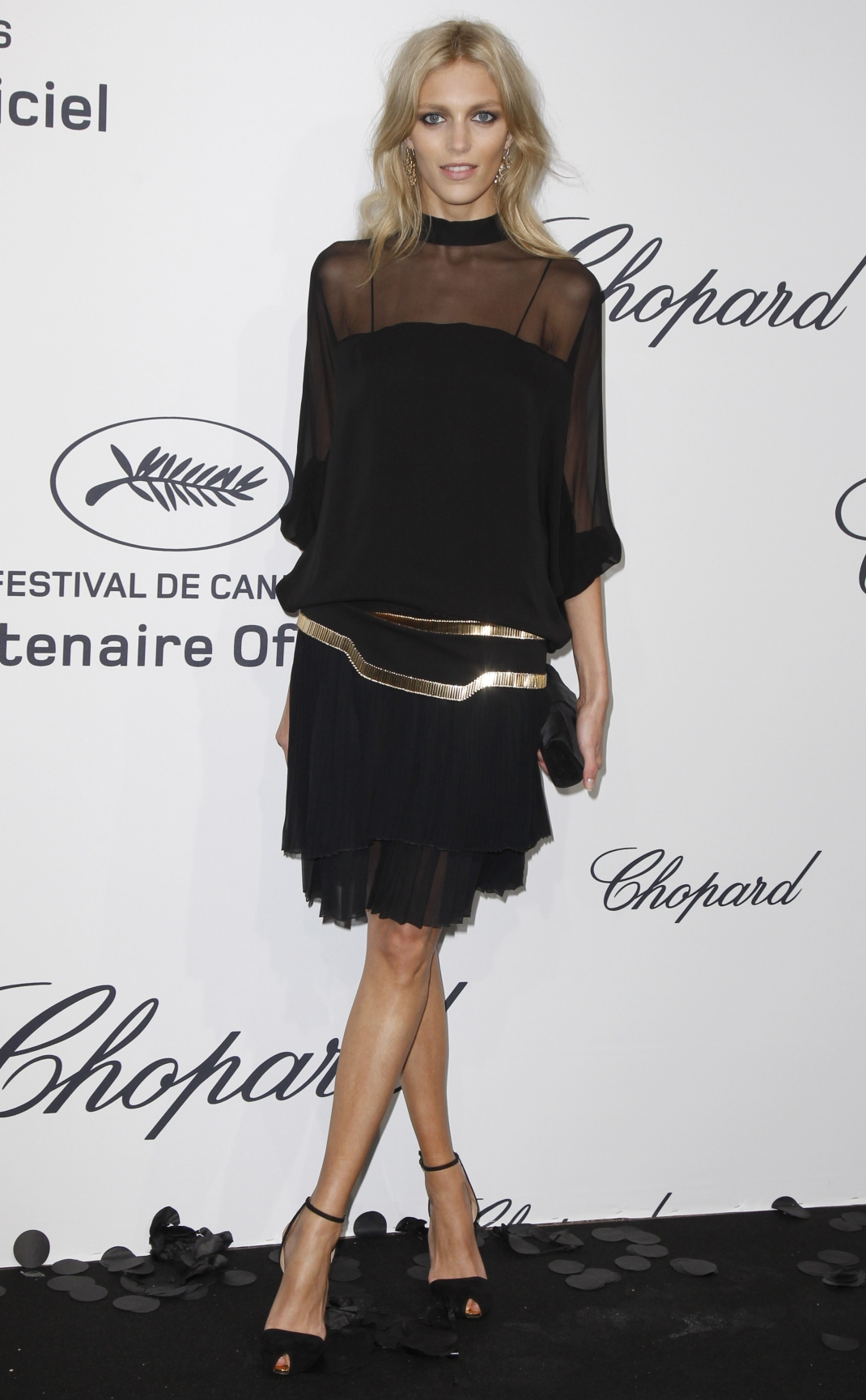 la-modella-mafia-Anja-Rubik-in-black-and-gold-Gucci-at-the-Chopard-Mystery-Party-during-the-65th-annual-2012-Cannes-Film-Festival-5