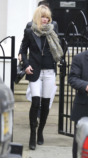 Kate Moss and Jamie Hince go to Wolseley Club in London. UK