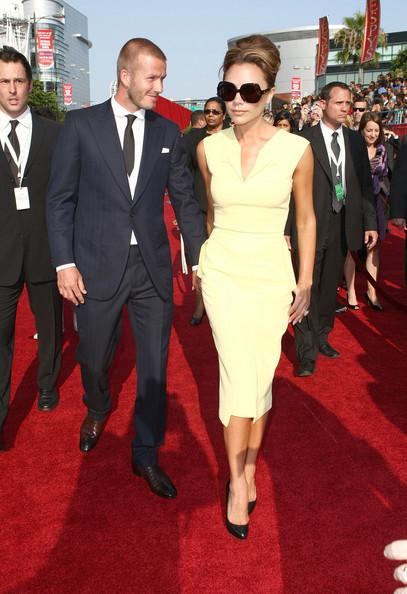 Victoria+Beckham+Novelty+Sunglasses+Oversized+1S2BU_eWzTyl