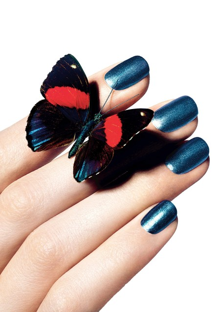 Chanel-Le-Vernis-Nail-Colour-in-667-Bel-Argus_press-kit-image_summer-2013_photography-Richard-Burbridge-450x638