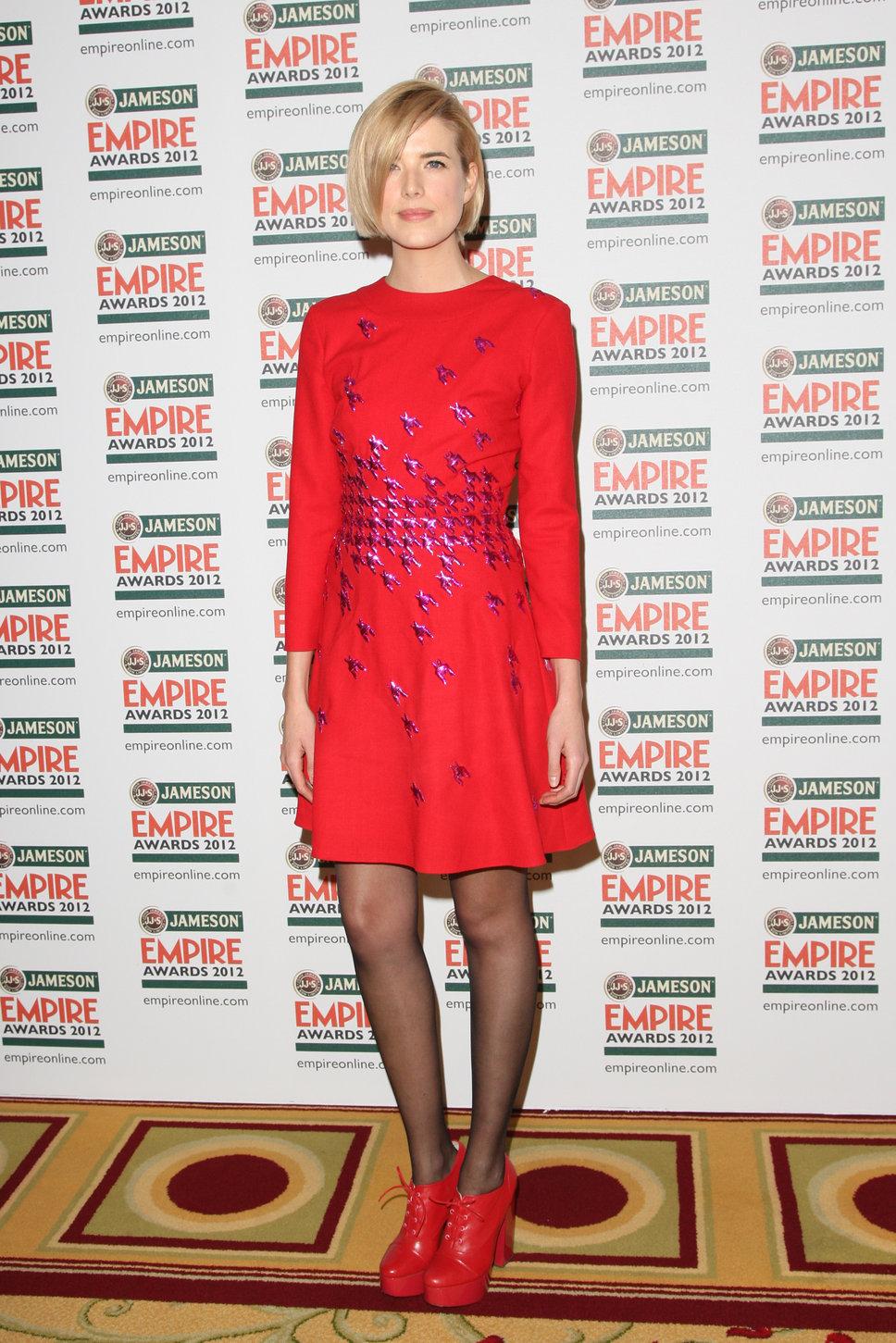 agyness_deyn_red_heels_dresswww.posh24.com