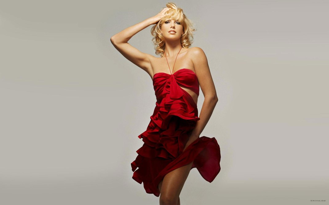 celebrities-charlize-theron-red-dresswww.lstyres.com