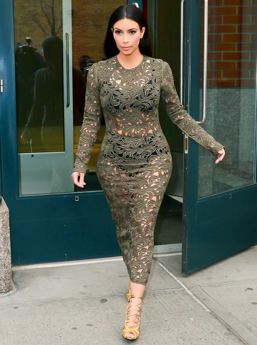 Kim-Kardashian-lace-dress-hd-images
